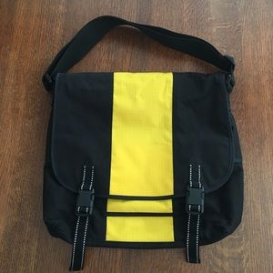 🎁 Black & Yellow Messenger Bag